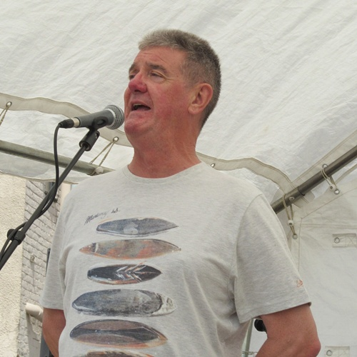 Tony Berry - lead singer of The Houghton Weavers (RIP).