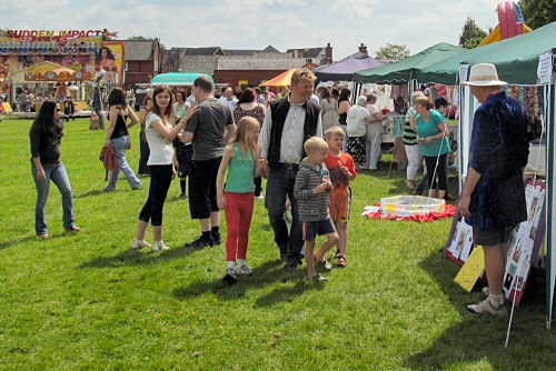 Westhoughton Community Network Fayre 1st June 2014 - Crowds out in force at Big Fun Day