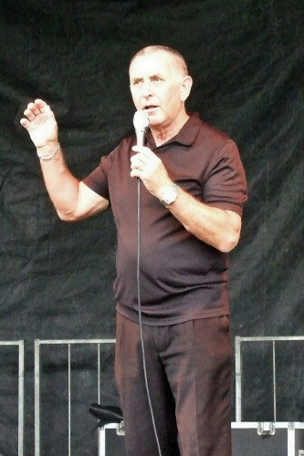 Joe Hart performing at Howfenfest in Westhoughton in 2010.
