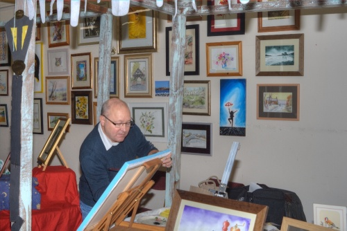Westhoughton Community Network Fayre 24 Nov 2012 - Dave Hendry from Westhoughton Art Group gives a painting demonstration