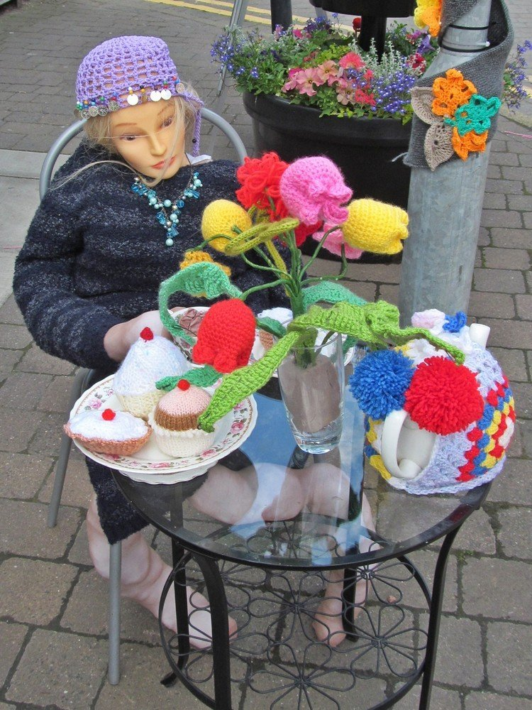 Westhoughton Yarn Bombing Festival 4th / 5th July 2015 - shops join in. Choc-la-te afternoon tea