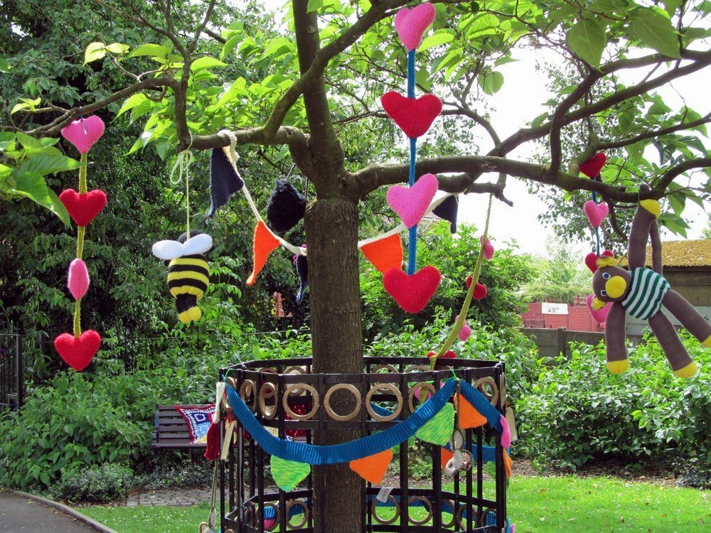 Westhoughton Yarn Bombing Festival 4th / 5th July 2015 - Teddy Bears' Picnic!