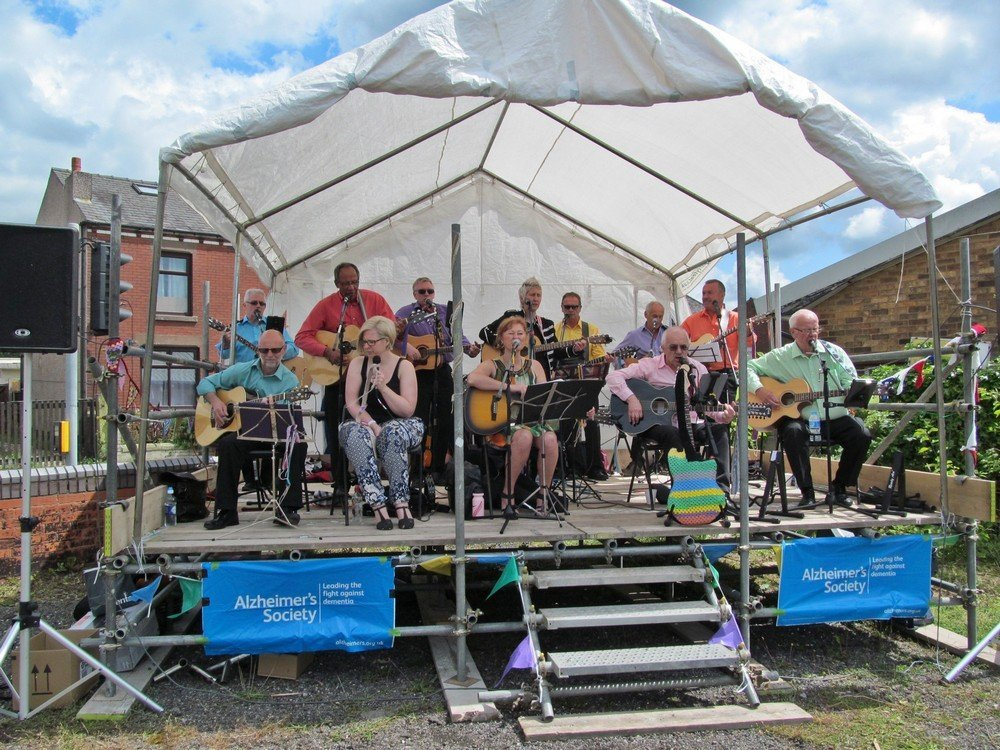 Westhoughton Yarn Bombing Festival 4th / 5th July 2015 - Travellin' Strings entertain on Mill Street
