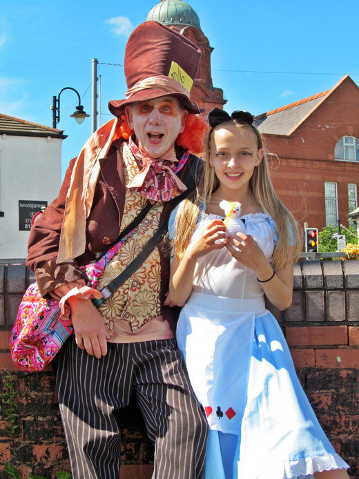 Westhoughton Yarn Bombing Festival 2nd / 3rd July 2016 - Mad Hatter and Alice enjoy the show!